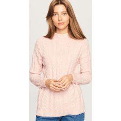 Sweter - Różowy. Czerwone swetry klasyczne damskie marki Reserved, l. Za 89,99 zł.