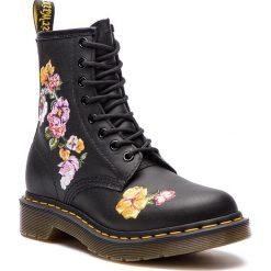 Glany DR. MARTENS - 1460 Vonda II 24067001 Black. Czarne buty zimowe damskie Dr. Martens, z materiału. W wyprzedaży za 539,00 zł.