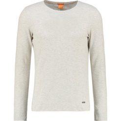 Swetry klasyczne męskie: BOSS Orange TERRIS SLIM FIT Sweter offwhite