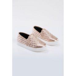Trampki i tenisówki damskie: Pikowane buty slip on