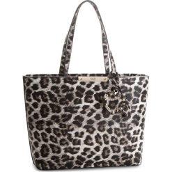 Torebka GUESS - Britta HWLG66 93230  LEO. Szare torebki klasyczne damskie Guess, z aplikacjami, ze skóry ekologicznej, duże. Za 629,00 zł.