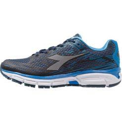 Diadora M.SHINDANO 6 Obuwie do biegania treningowe classic navy/azure blue. Niebieskie buty do biegania męskie Diadora, z gumy. Za 419,00 zł.
