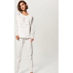 Piżama ze spodniami - Jasny szar. Szare piżamy damskie Reserved, l. Za 129,99 zł.