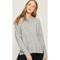 Sweter oversize - Jasny szar. Szare swetry oversize damskie Sinsay, l. Za 59,99 zł.