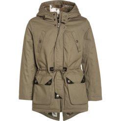 Sisley HEAVY  Parka khaki. Czarne kurtki dziewczęce marki Sisley, l. W wyprzedaży za 271,20 zł.