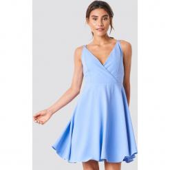 Trendyol Sukienka na podwójnych ramiączkach - Blue. Szare sukienki mini marki Trendyol, na co dzień, z elastanu, casualowe, dopasowane. Za 161,95 zł.