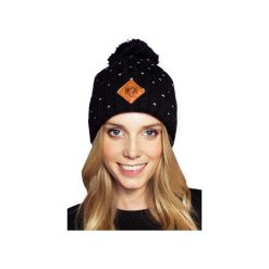 CZAPKA BETTI BLACK. Czarne czapki zimowe damskie JUNGMOB, z aplikacjami, z polaru. Za 69,00 zł.