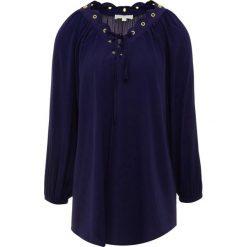 MICHAEL Michael Kors SCALLOP EDGE Bluzka true navy. Czarne bluzki damskie marki Fille Du Couturier, z bawełny. Za 689,00 zł.