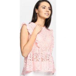 Różowa Bluzka Gorgeous Melody. Czerwone bralety marki Born2be, l. Za 39,99 zł.