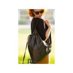 Plecak z Tyveku® OneOnes Backpack czarny. Czarne plecaki damskie Oneones creative studio, z nadrukiem, z materiału. Za 139,00 zł.