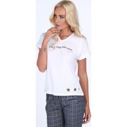 T-shirt z napisem biały 22503. Białe t-shirty damskie marki Fasardi, l. Za 31,20 zł.