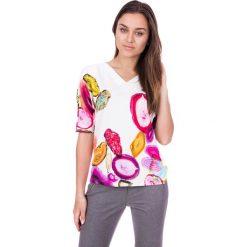 Bluzki asymetryczne: Luźna bluzka we wzory z dekoltem w literkę V  BIALCON