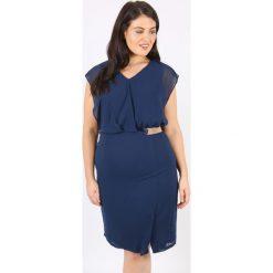 Sukienki: Prosta sukienka z nadrukiem, półdługa, bez rękawów