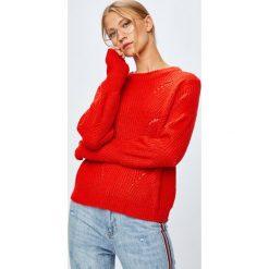 Jacqueline de Yong - Sweter. Szare swetry klasyczne damskie Jacqueline de Yong, m, z dzianiny, z okrągłym kołnierzem. W wyprzedaży za 59,90 zł.