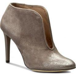 Botki CARINII - B3734 I42-000-PSK-A92. Szare buty zimowe damskie marki Carinii, ze skóry, na obcasie. W wyprzedaży za 209,00 zł.