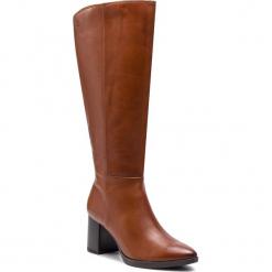 Kozaki CAPRICE - 9-25517-21 Cognac Nappa 303. Brązowe buty zimowe damskie Caprice, z materiału, przed kolano, na wysokim obcasie, na obcasie. W wyprzedaży za 379,00 zł.