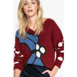 Kardigany damskie: Sweter świąteczny, dekolt w serek