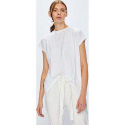 Calvin Klein Jeans - Top. Szare topy damskie Calvin Klein Jeans, l, z aplikacjami, z bawełny, z okrągłym kołnierzem. Za 199,90 zł.