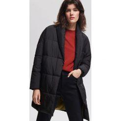 Płaszcz z wysokim kołnierzem - Czarny. Czarne płaszcze damskie Reserved. Za 299,99 zł.