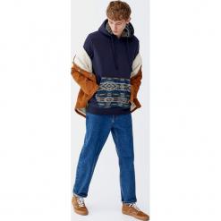Bluza z kapturem z żakardowym etnicznym wzorem. Zielone bluzy męskie rozpinane Pull&Bear, m, z żakardem, z kapturem. Za 109,00 zł.