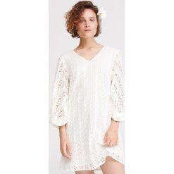 fc9a7ce5a Koronkowa sukienka - Kremowy. Białe sukienki damskie Reserved, s, bez  wzorów, z