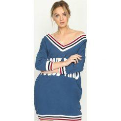 Bluzy damskie: Niebieska Bluza Vogue