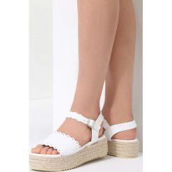 Białe Sandały Toxic. Białe sandały damskie vices, na płaskiej podeszwie. Za 89,99 zł.