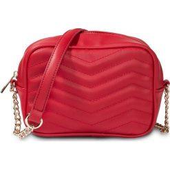 Torebka pikowana na ramię bonprix czerwono-złoty kolor. Czerwone torebki klasyczne damskie marki bonprix, małe, pikowane. Za 37,99 zł.