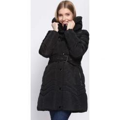 Czarna Kurtka Auspicious. Brązowe kurtki damskie pikowane marki QUECHUA, na zimę, m, z materiału. Za 204,99 zł.