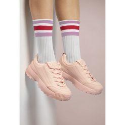 Różowe Buty Sportowe Waves All Night. Czerwone buty sportowe damskie marki KALENJI, z gumy. Za 89,99 zł.