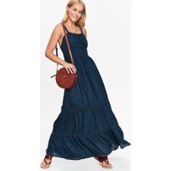 DŁUGA GRANATOWA SUKIENKA, Z KORONKOWYMI RAMIĄCZKAMI. Szare długie sukienki Top Secret, na jesień, z koronki, z długim rękawem. Za 74,99 zł.