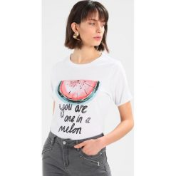 T-shirty damskie: Circle of Trust PRESLEY TEE  Tshirt z nadrukiem white