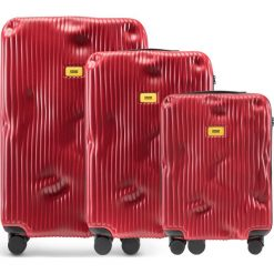 Walizki Stripe w zestawie 3 el. Alfa Red. Szare walizki marki Crash Baggage, z materiału. Za 2796,00 zł.