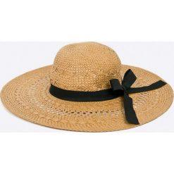 Pieces - Kapelusz. Brązowe kapelusze damskie Pieces, z materiału. W wyprzedaży za 79,90 zł.