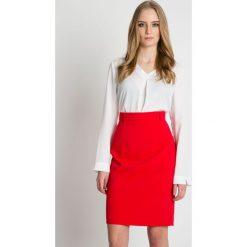 Czerwona ołówkowa spódnica z wysokim stanem BIALCON. Czerwone minispódniczki marki BIALCON, biznesowe, z podwyższonym stanem, koszulowe. Za 179,00 zł.