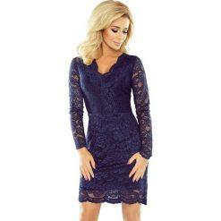 Dakota Sukienka koronkowa z długim rękawkiem i DEKOLTEM - GRANATOWA. Niebieskie sukienki numoco, s, z koronki, eleganckie, z klasycznym kołnierzykiem, z długim rękawem. Za 219,99 zł.