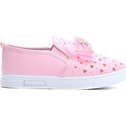 Różowe Slip On Doll. Czerwone buty sportowe dziewczęce Born2be, z materiału, z okrągłym noskiem. Za 39,99 zł.