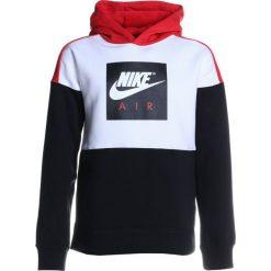 Nike Performance AIR HOODIE Bluza z kapturem white/black/university red/white. Białe bluzy chłopięce rozpinane Nike Performance, z bawełny, z kapturem. Za 219,00 zł.