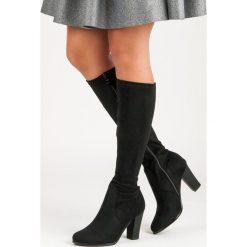Buty zimowe damskie: Zamszowe kozaki na słupku LUNA