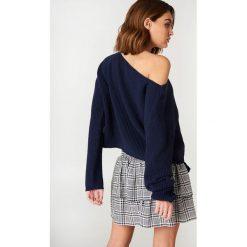 Swetry klasyczne damskie: Josefin Ekström for NA-KD Krótki sweter z dzianiny - Blue,Navy