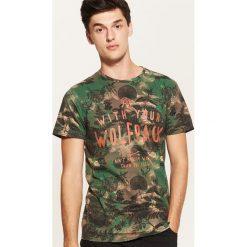 T-shirt z motywem roślinnym - Khaki. Czarne t-shirty męskie marki House, l, z nadrukiem. Za 49,99 zł.