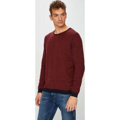 Pierre Cardin - Sweter. Brązowe swetry klasyczne męskie marki Pierre Cardin, l, z bawełny, z okrągłym kołnierzem. W wyprzedaży za 339,90 zł.