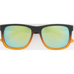 Okulary przeciwsłoneczne - Pomarańczo. Szare okulary przeciwsłoneczne męskie aviatory Reserved. Za 49,99 zł.