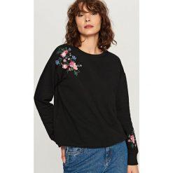 Bluzy rozpinane damskie: Bluza w kwiaty - Czarny