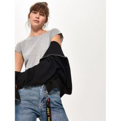Gładki T-shirt z bawełny - Jasny szar. Szare t-shirty damskie Sinsay, l, z bawełny. Za 9,99 zł.