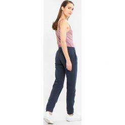 Spodnie dresowe damskie: Abercrombie & Fitch LONG LIFE LOGO FULL YEAR Spodnie treningowe navy