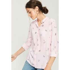 Wzorzysta koszula - Różowy. Czerwone koszule wiązane damskie Sinsay, l. Za 39,99 zł.