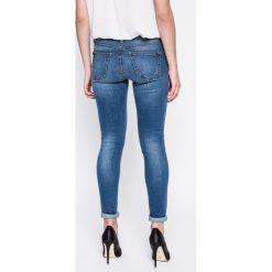 Noisy May - Jeansy Eve. Szare jeansy damskie marki Noisy May, z jeansu. W wyprzedaży za 89,90 zł.