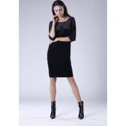 Czarna Wyjściowa Sukienka Welurowa z Lejącym Dekoltem na Plecach. Czarne sukienki koktajlowe Molly.pl, l, z tkaniny, z dekoltem na plecach, dopasowane. W wyprzedaży za 125,46 zł.