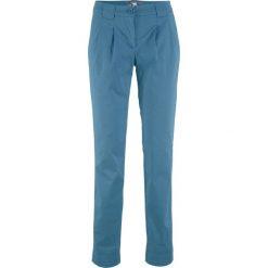 Spodnie chino ze stretchem bonprix niebieski dżins. Niebieskie jeansy damskie marki bonprix, z obniżonym stanem. Za 74,99 zł.